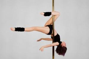 rf getty pole dance (1)