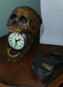 skull and padlock