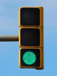 green-traffic-light-938031_960_720